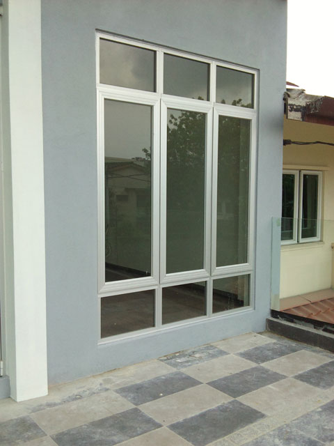 Casement Window With Top & Bottom Fixed