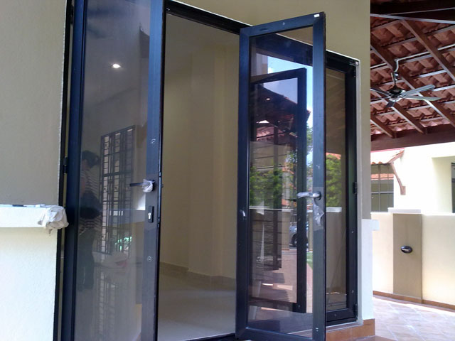 Multi Folding Door With Four Panels