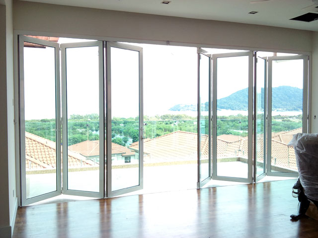 Multi Folding Door With Seven Panels