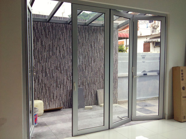 Mutli Folding Door With Five Panels