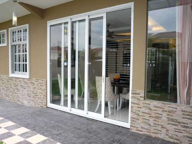 Sliding Door With Three Panels